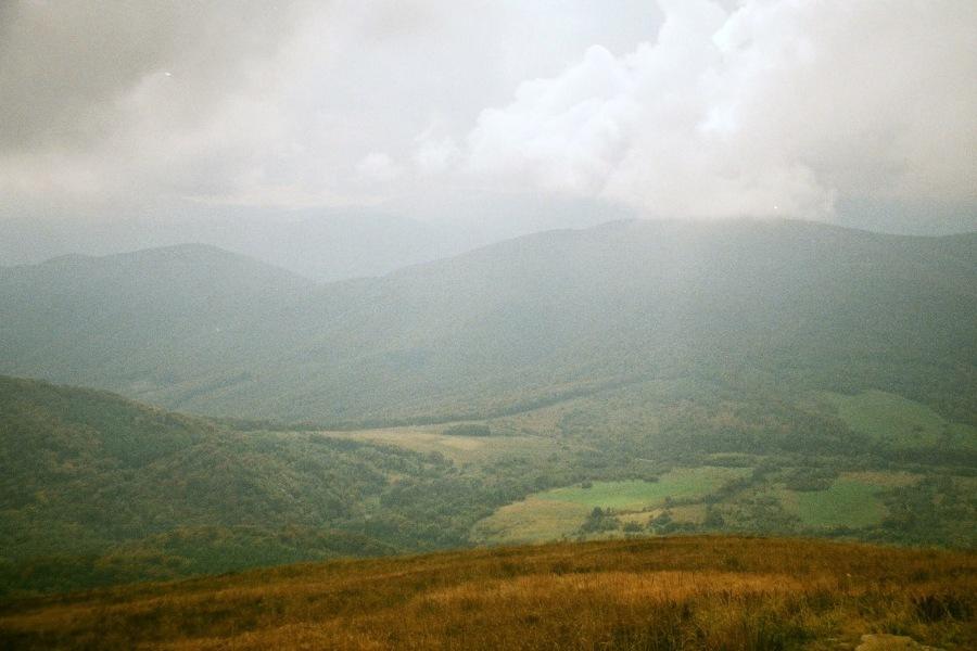 Dolina Wołosatego z Tarnicy.